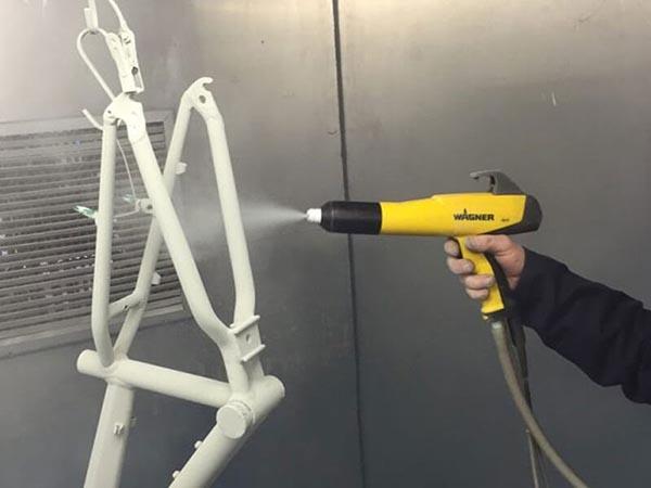 cách vệ sinh máy phun sơn cầm tay